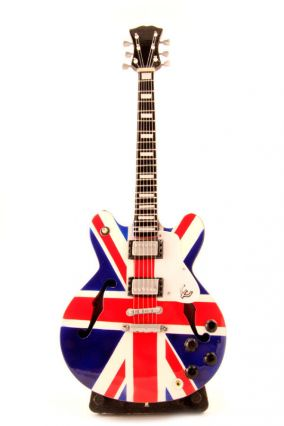 Мини-гитара Noel Gallagher - Union Jack цена от 1 200 руб